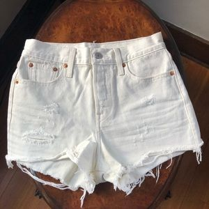 Levi's High Rise Wedgie Denim Shorts NWOT Size 25